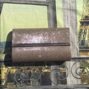 ✨NWOT Bare Minerals Clutch✨
